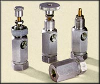 Right angel flow control valves